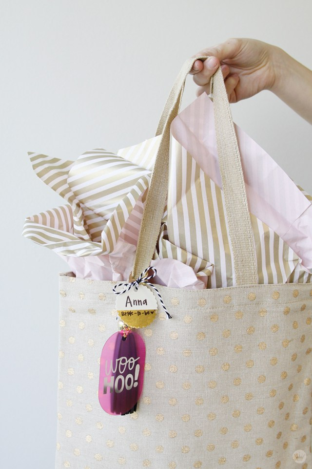 Bride To Be Gift Bag | thinkmakeshareblog.com