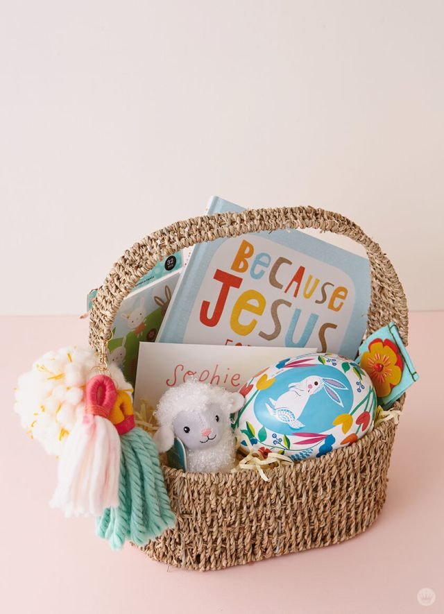Filled Easter basket with DIY Chunky Yarn Keychain