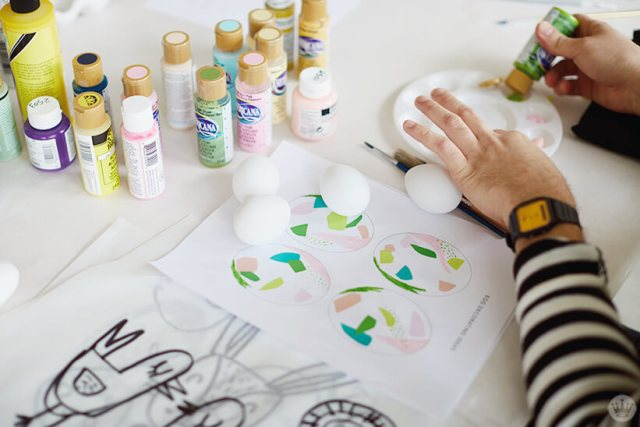 2018 Easter egg decorating: Table set up for decorating