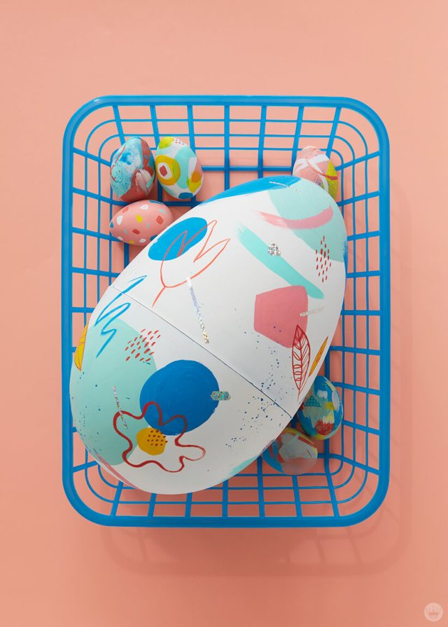 2019 Easter egg decorating ideas: A giant decorated egg with its smaller cousins