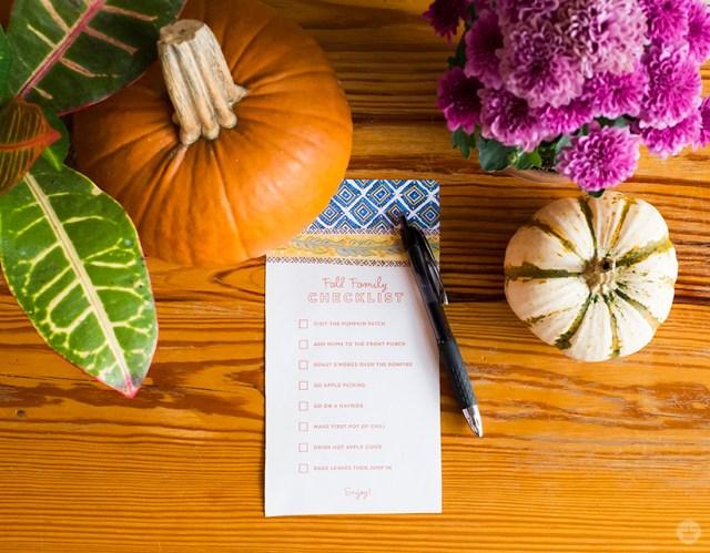 Fall Family Checklist | thinkmakeshareblog.com
