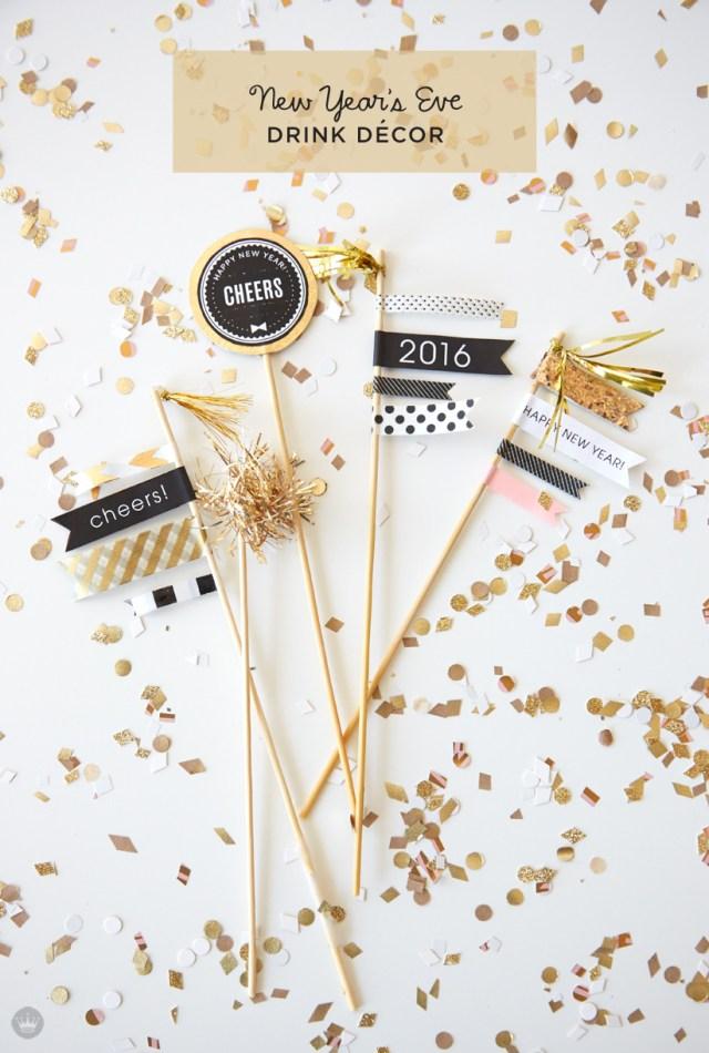 Free printable New Year's Eve drink decor | thinkmakeshareblog.com