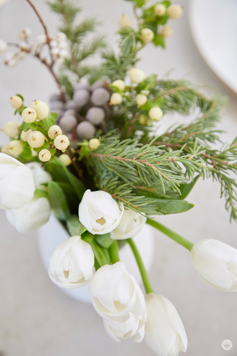 holiday gift giving simple flower arrangements for hostesses