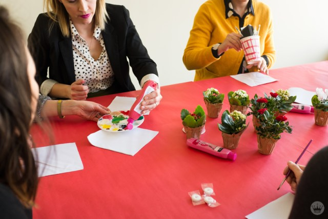 DIY Galentine's Day gifts: Painting canvas planter wraps