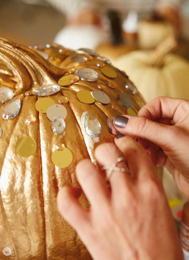 DIY Glam Pumpkin decorating | thinkmakeshareblog.com