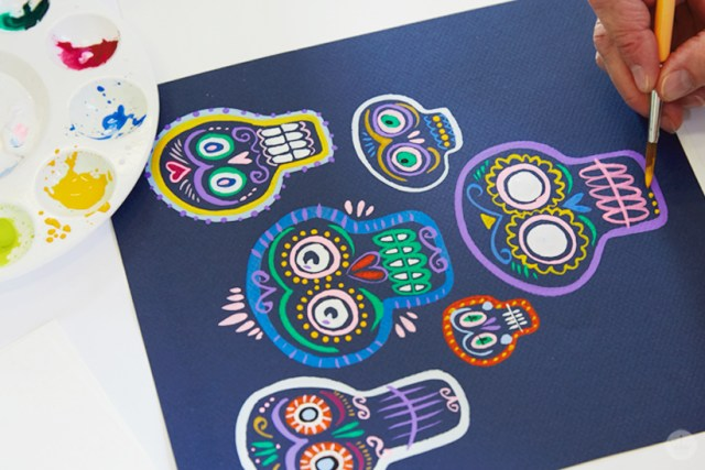 Gouache Workshop: Painted sugar skulls on a dark blue background