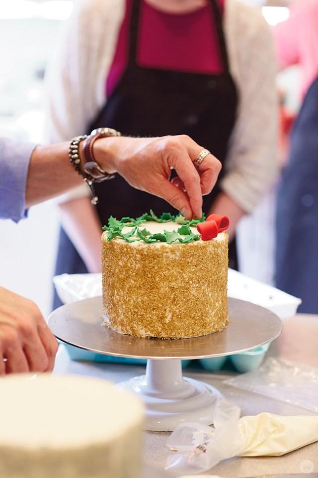 Holiday cake ideas: Creating a fondant holly wreath