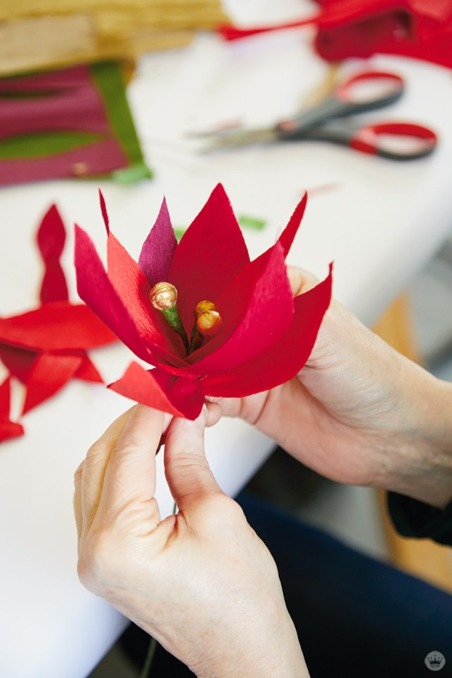 DIY paper poinsettia