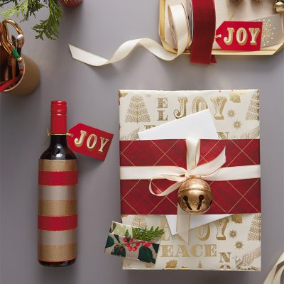 Hostess Gift Wrap | thinkmakeshareblog.com