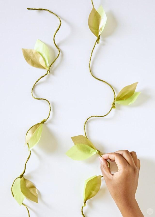 the finished DIY paper vine garland | thinkmakeshareblog.com