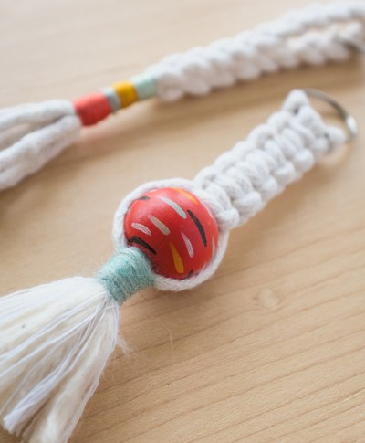 Make Your Own Macrame Keychain | thinkmakeshareblog.com