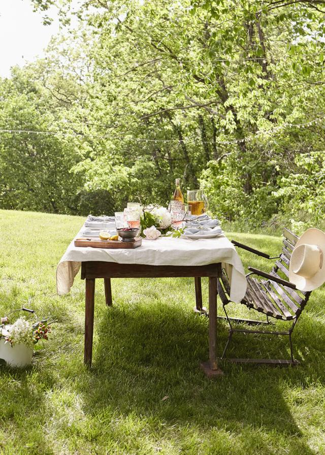 summer gathering in the woods with a table outside | thinkmakeshareblog.com