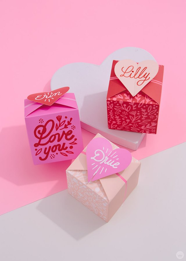 3 DIY Gift Boxes decorated with painted floral pattern and lettered names | thinkmakeshareblog.com
