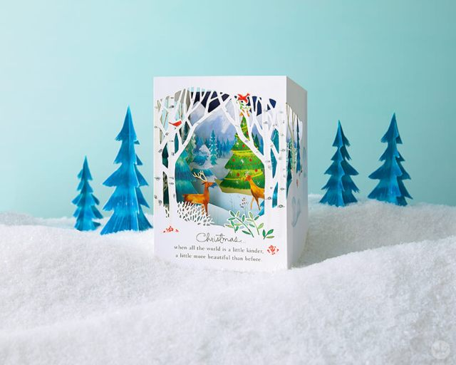 Paper Wonder Card featuring a deer and Christmas tree | thinkmakeshareblog.com