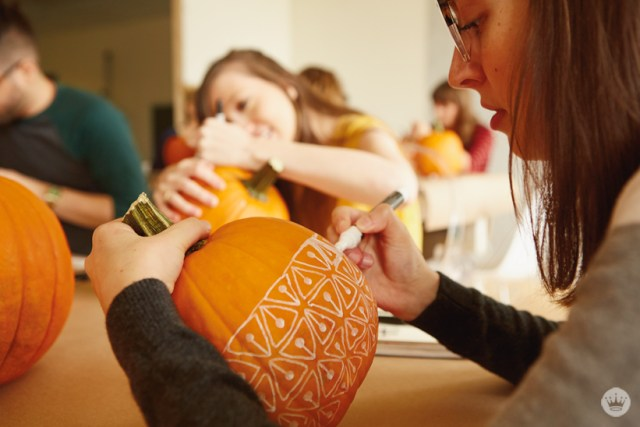 Pumpkin decorating with Hallmark artists | thinkmakeshareblog.com