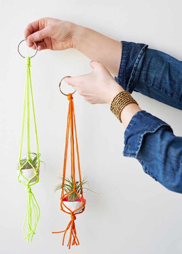 Dorm room decor: Mini macrame hangers