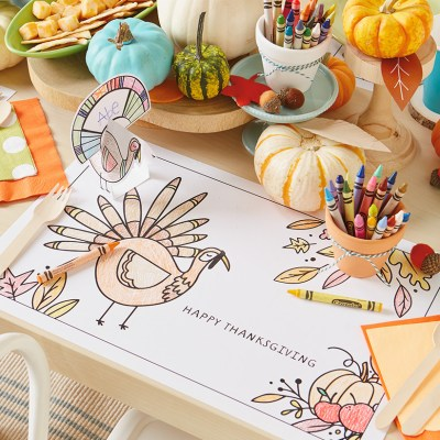 Thanksgiving Kid Table Crafts | thinkmakeshareblog.com