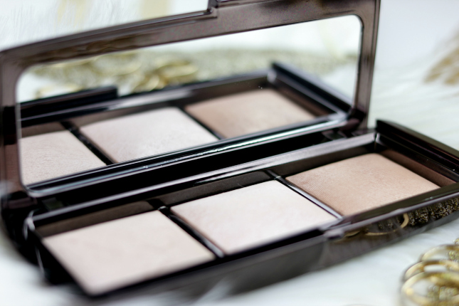 hourglass powder palette review