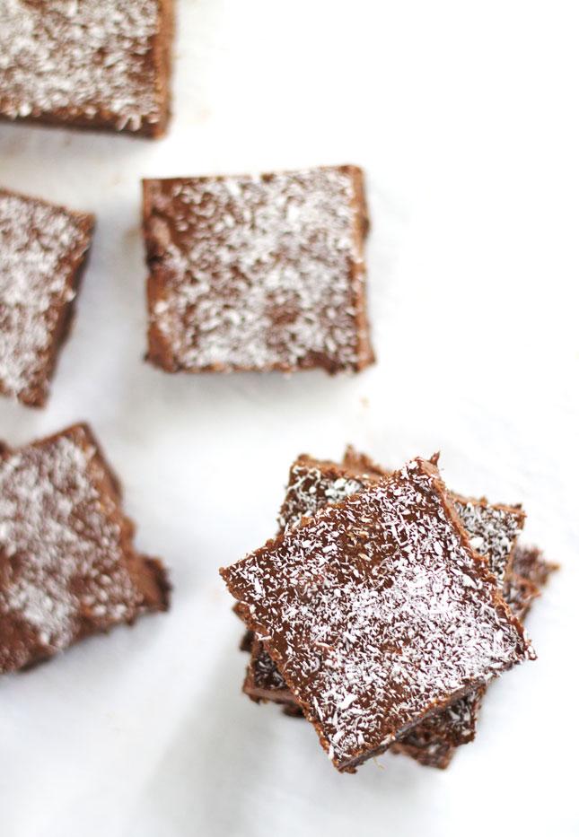vegan-chocolate-fudge-easy-recipe