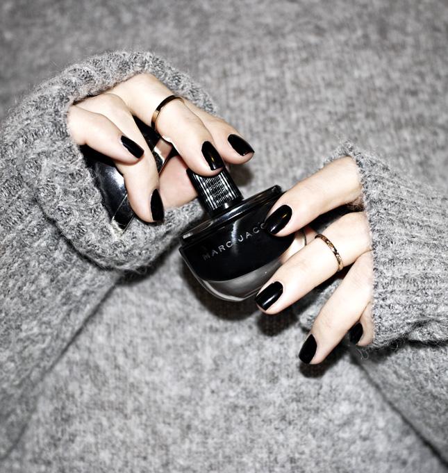 marc-jacobs-black-polish