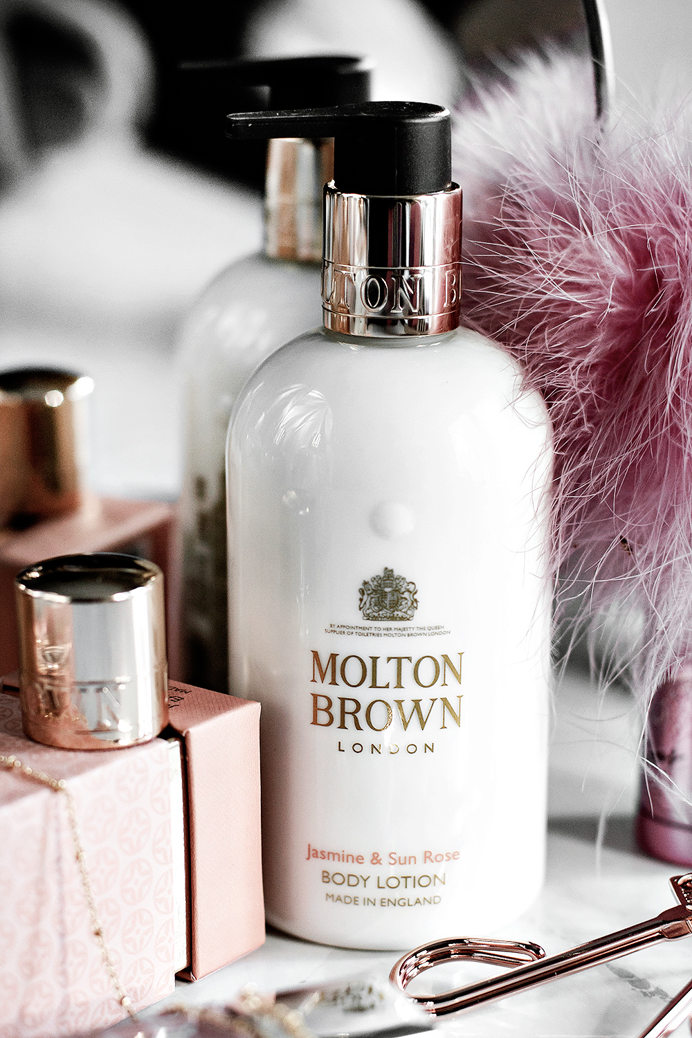 Molton Brown Jasmine & Sun Rose