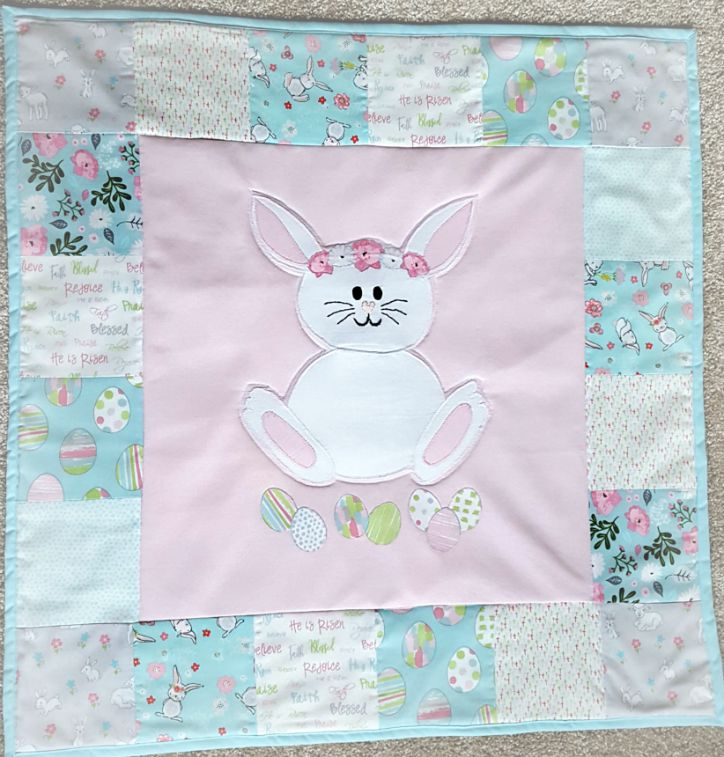 Easter Bunny Mini Quilt from www.thisautoimmunelife.com #Easter #EasterBunny #MiniQuilt #Quilting