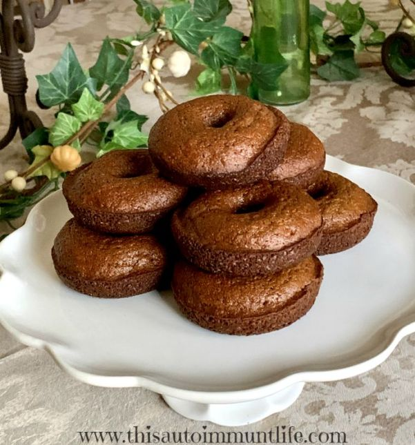 Healthy Gingerbread Donuts from www.thisautoimmunelife.com #sponsoredpost #healthyrecipe #gingerbread #donuts #healthy