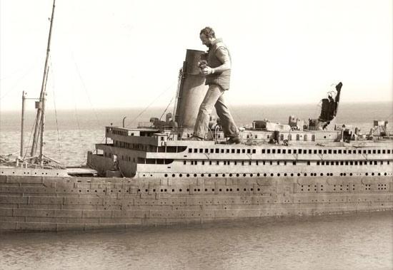 rise-of-titanic-guy-on-model