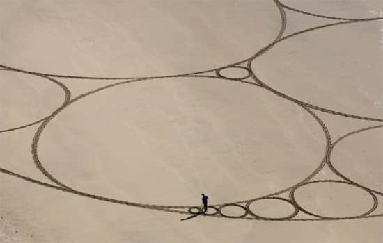 circles-beach-art-2
