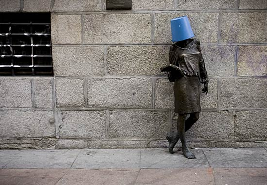 sculpture-bucket