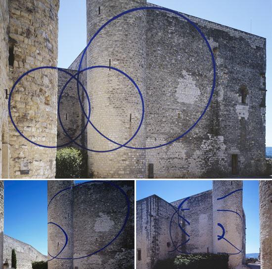 castle-blue-circles