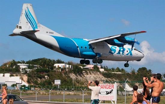 srx-plane-landing