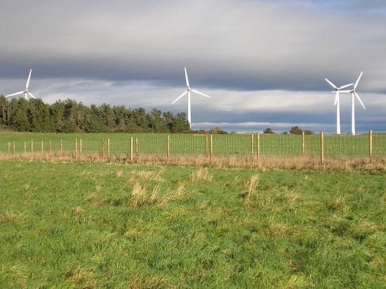 1_Findhorn_wind_turbines