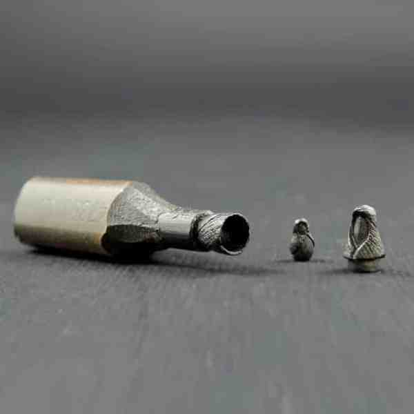 Amazing Tiny Sculptures On Pencil Tips