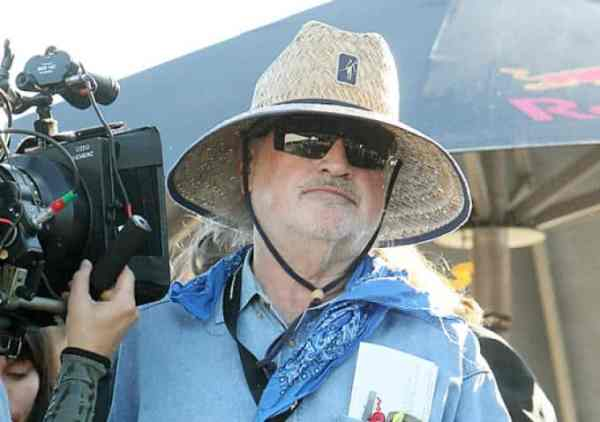 Terrence Malick si part of 5 artists who took a chill pill.