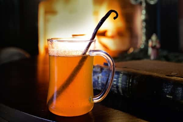 6 winter holiday drinks - Hot Spiced Mead as pictured here.