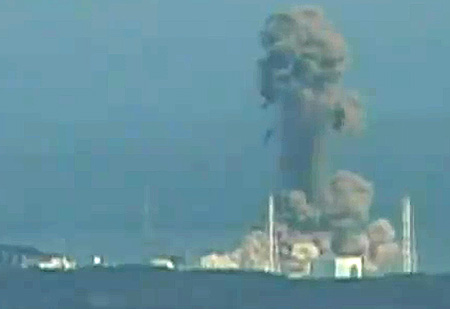 A second GE nuclear reactor building at Fukushima Dai-ishi suffers a hydrogen gas explosion.