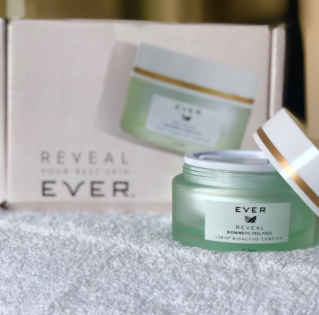 BHA, Caviar Lime, Willow bark, Ever, Reveal Peel Pads, Skin Texture, Resurface skin, Radiant skin, reduce spots on the face, Clear pores, minimize acne scars, skincare, skincare regime, Smooth Skin, skincare over 40
