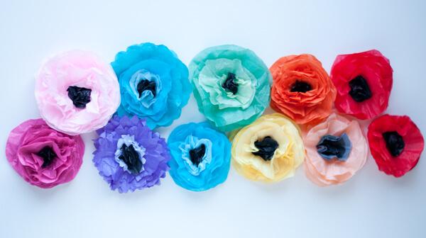 Tissue Flower Magnets 16