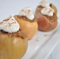 Baked Apples with Oatmeal and Brown Sugar