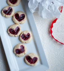 Raspberry Almond Shorbread Cookies