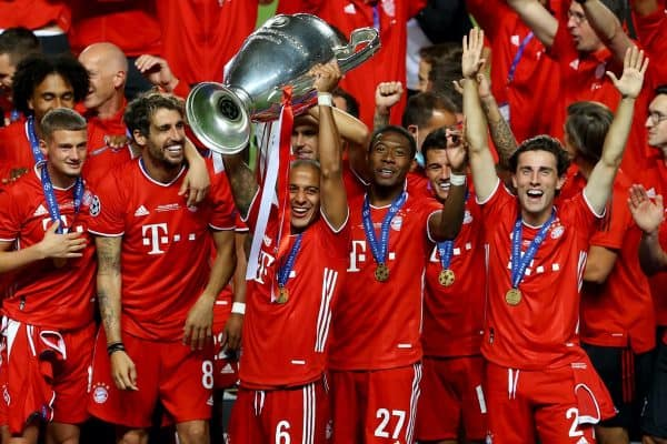 LISBON, PORTUGAL - Sunday, August 23, 2020: FC Bayern Munich's Thiago Alcantara lifts the European Cup trophy as Bayern win it for the sixth time after the UEFA Champions League Final between FC Bayern Munich and Paris Saint-Germain at the Estadio do Sport Lisboa e Benfica. FC Bayern Munich won 1-0. (Credit: ©UEFA)