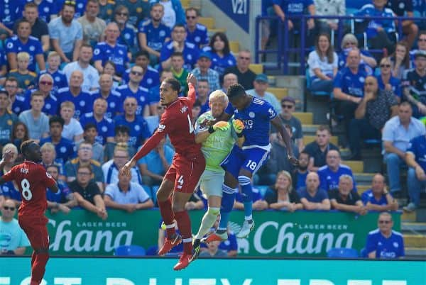 LEICESTER, ENGLAND - Saturday, September 1, 2018: Leicester City's goalkeeper Kasper Schmeichel challenges Liverpool's Virgil van Dijk during the FA Premier League match between Leicester City and Liverpool at the King Power Stadium. (Pic by David Rawcliffe/Propaganda)