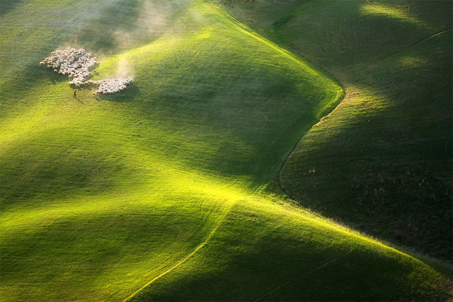 Idyllic Photographs of the Tuscan and Moravian Landscapes by Marcin Sobas Tuscany landscapes Italy