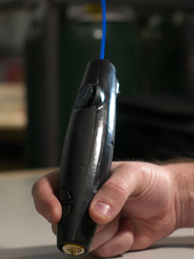 The Worlds First 3D Printing Pen that Lets you Draw Sculptures sculpture printing pens drawing device