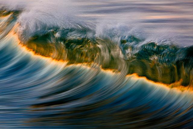 Photographer David Orias Makes the Pacific Ocean Look like Rainbows and Gold waves ocean California