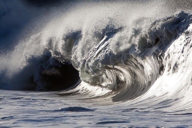 Liquid Sculptures: Powerful Waves Photographed by Pierre Carreau Seem Frozen in Time waves water ocean high speed