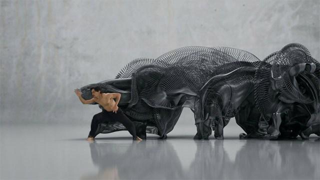 Human Movement Converted Into Digital Sculptures motion capture digital advertising