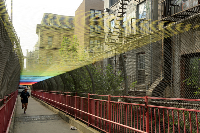 HOTTEA Blankets the Williamsburg Bridge in a Rainbow of Thread yarn bombing rainbows New York bridges