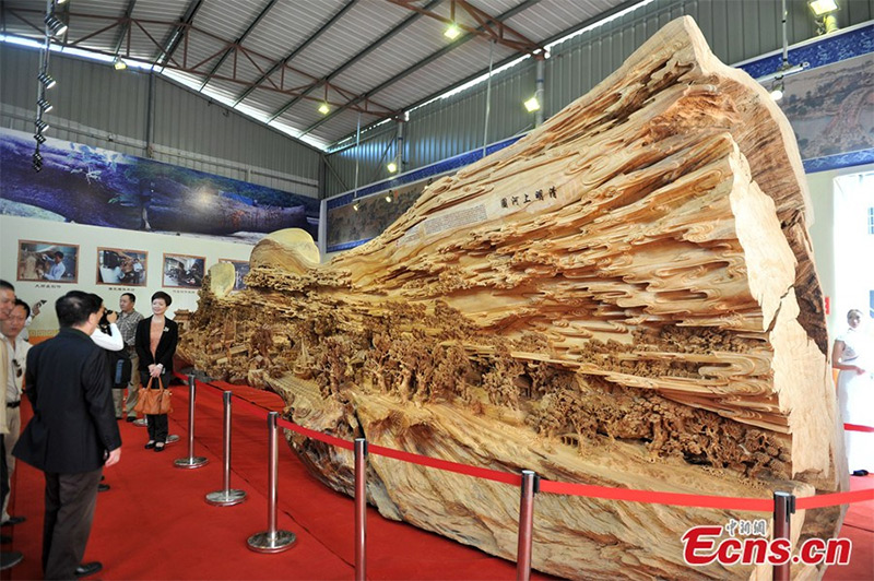 Sculptor Zheng Chunhui Spent 4 Years Carving the Worlds Longest Wooden Sculpture  wood trees sculpture